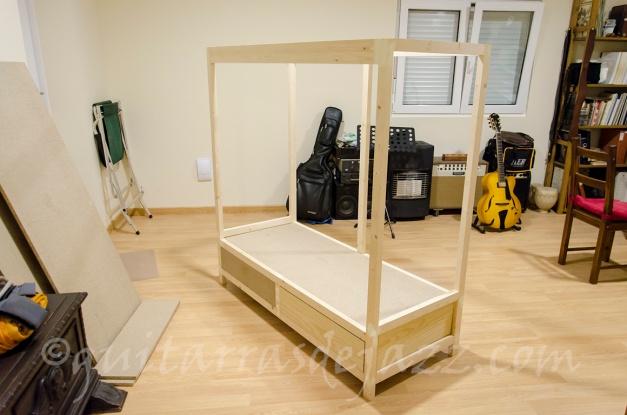 15.- Estructura con cajones