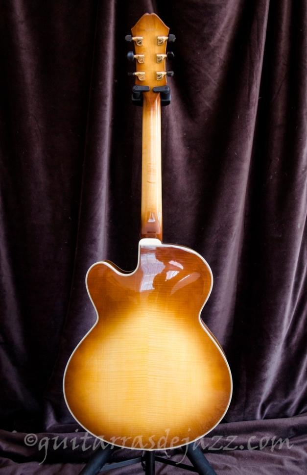 3.- Fender D'Aquisto